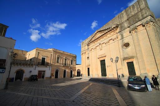 Piazza don Tonino Bello